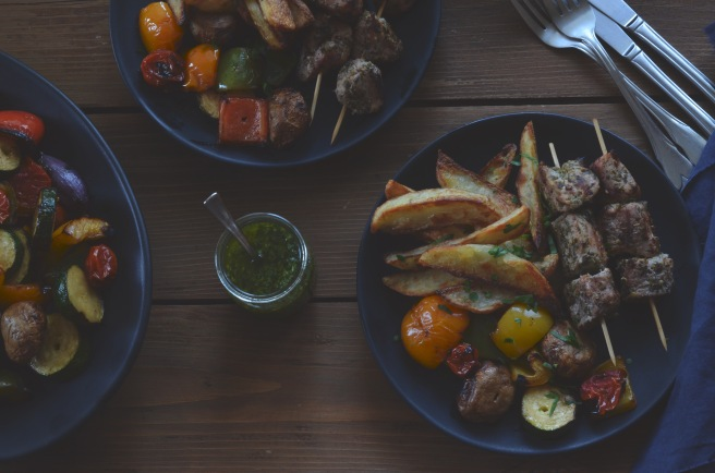 grilled pork served with grilled vegetables and roasted potatoes and chimichurri sauce | conifères & feuillus