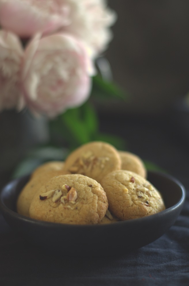 whole wheat eggless cookies flavoured with cardamom | conifères et feuillus