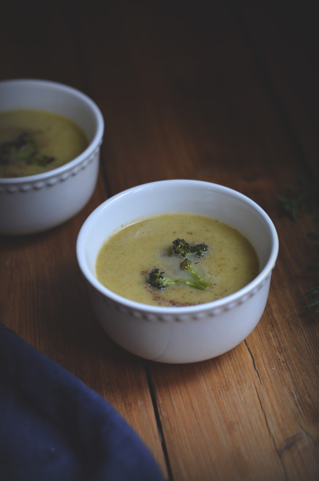 classic broccoli soup and roasted broccoli| conifères et feuillus