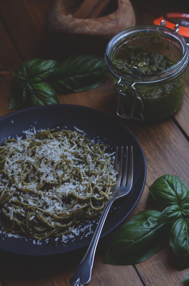 classic basil pesto | conifères et feuillus