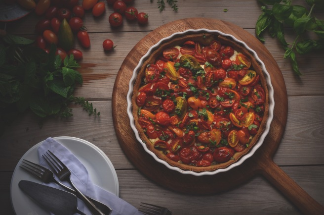 cherry tomato tart with pesto and ricotta | conifères & feuillus