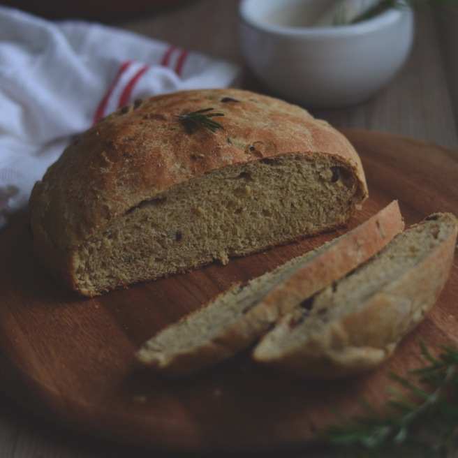 buttermilk olive bread | conifères & feuillus