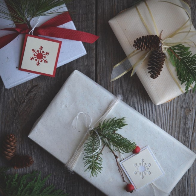 winter-inspired gift wrapping | conifères & feuillus