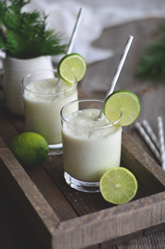 Healthy & delicious, 3-ingredient lime smoothie. | conifères & feuillus
