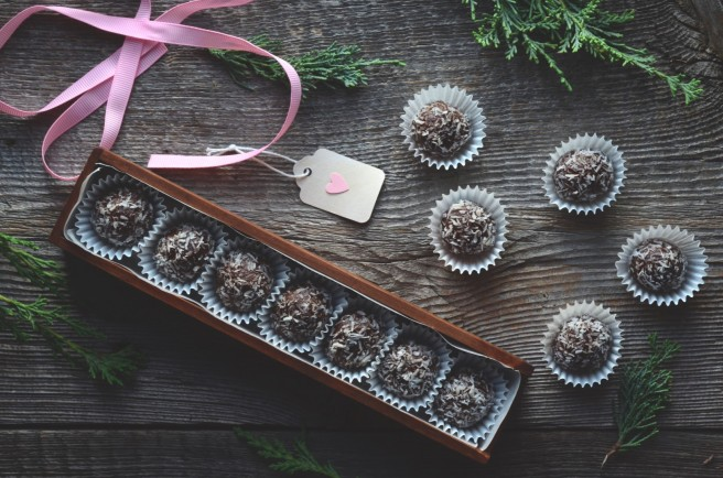 vegan chocolate and hazelnut truffles