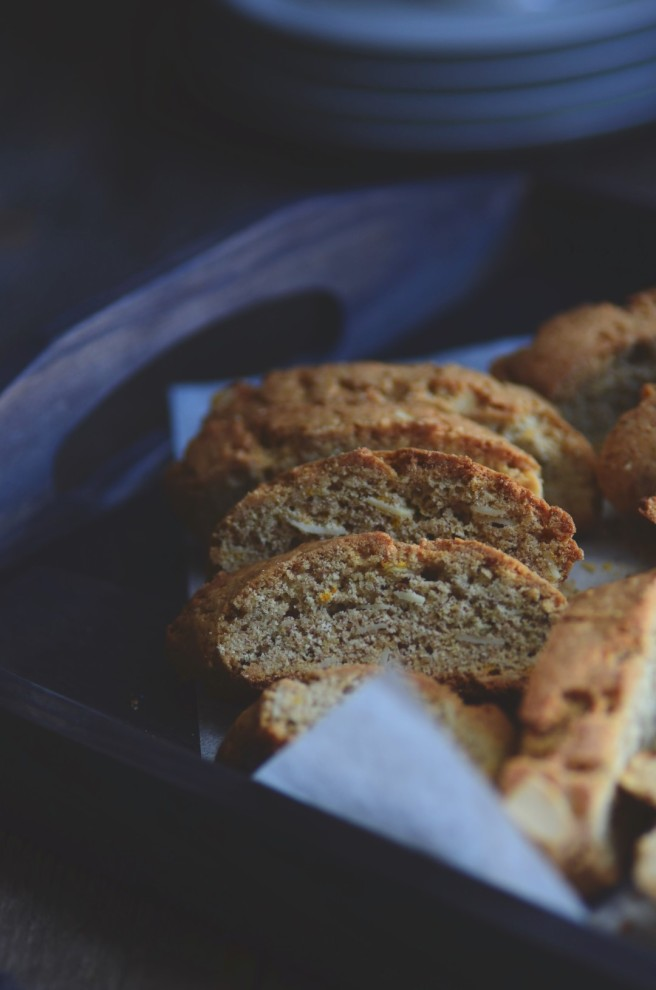 Spelt and almond biscotti | conifères & feuillus
