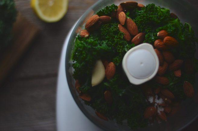 kale & almond pesto | conifères & feuillus