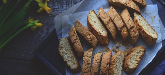 Spelt and almond biscotti | conifères & feuillus