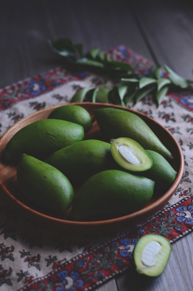 green mangoes for making pickles | conifères & feuillus