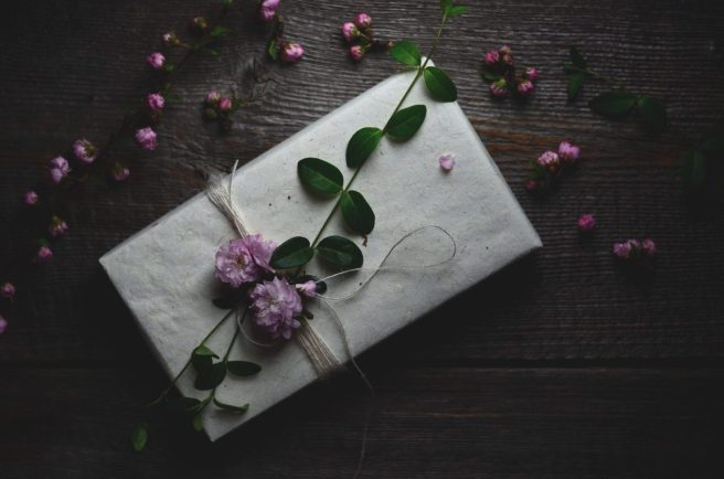 spring gift wrapping inspiration | conifères & feuillus