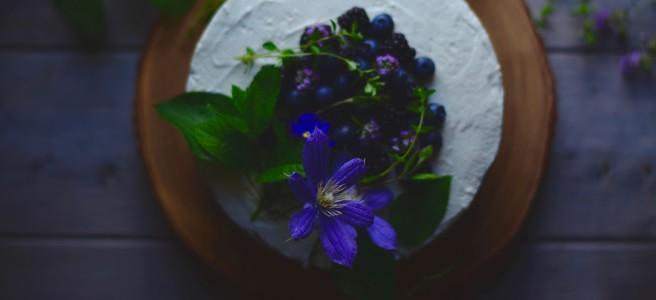 celebratory cinnamon layer cake | conifères & feuillus