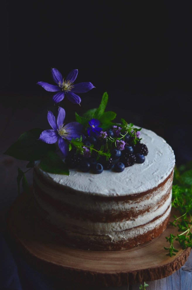 celebratory cinnamon layer cake | conifères & feuillus