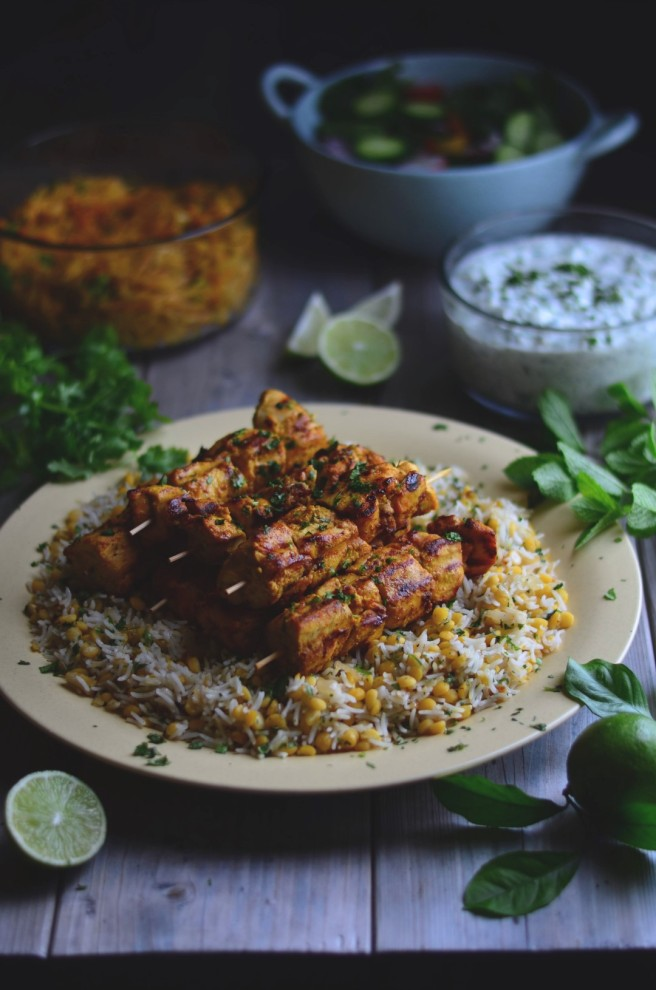 Spicy Indian Grilled Chicken with Cucumber Raita | conifères & feuillus