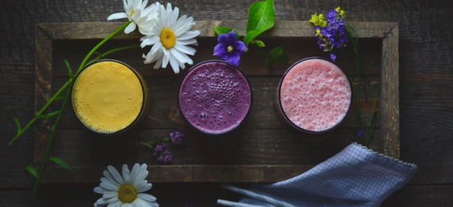 mango, blackberry and strawberry lassi recipes | conifères & feuillus