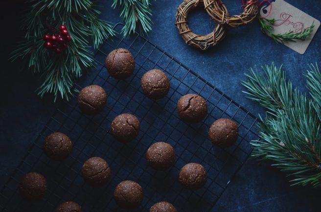 vegan chocolate almond cookies | conifères & feuillus