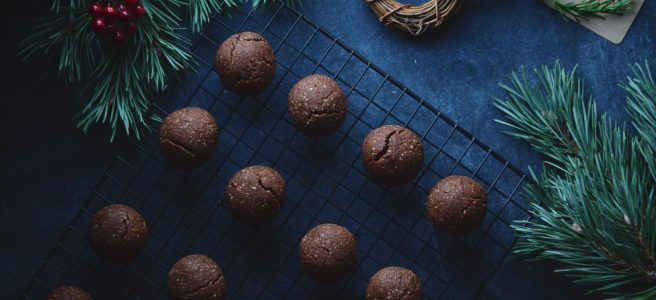 vegan chocolate almond cookies | conifères & feuillus