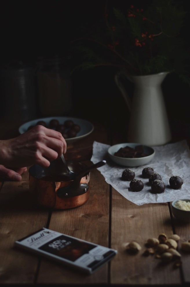 chocolate almond truffles | conifères & feuillus