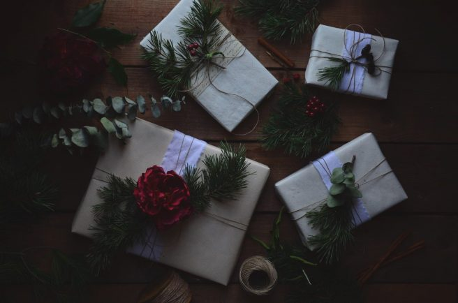 christmas/winter gift wrapping inspiration | conifères & feuillus
