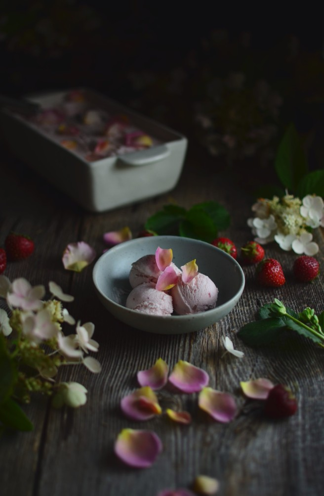 Strawberry and Rose Ice Cream | conifères & feuillus