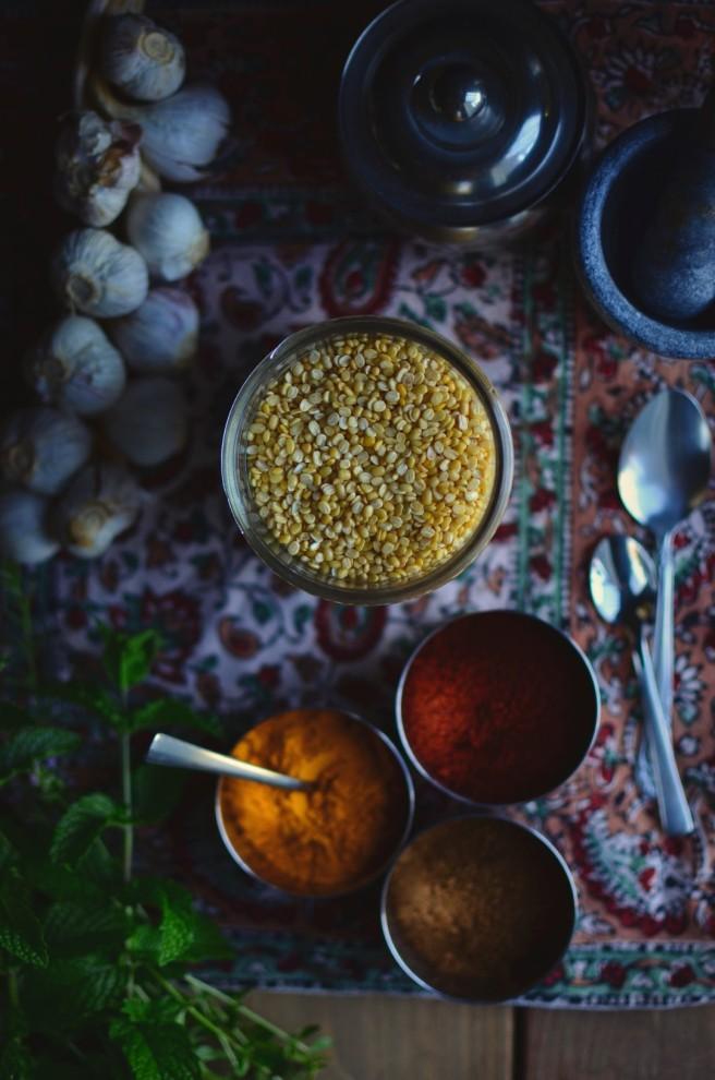dal ki roti (roti made with cooked yellow mung beans) | conifères & feuillus