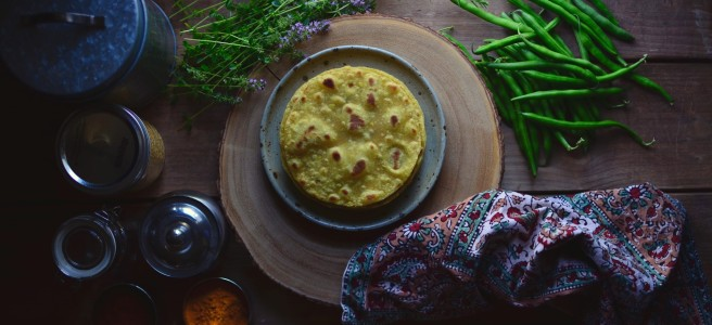 dal ki roti (roti made with cooked yellow mung beans) | conifères & feuillus