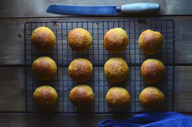 sweet saffron rolls | conifères & feuillus