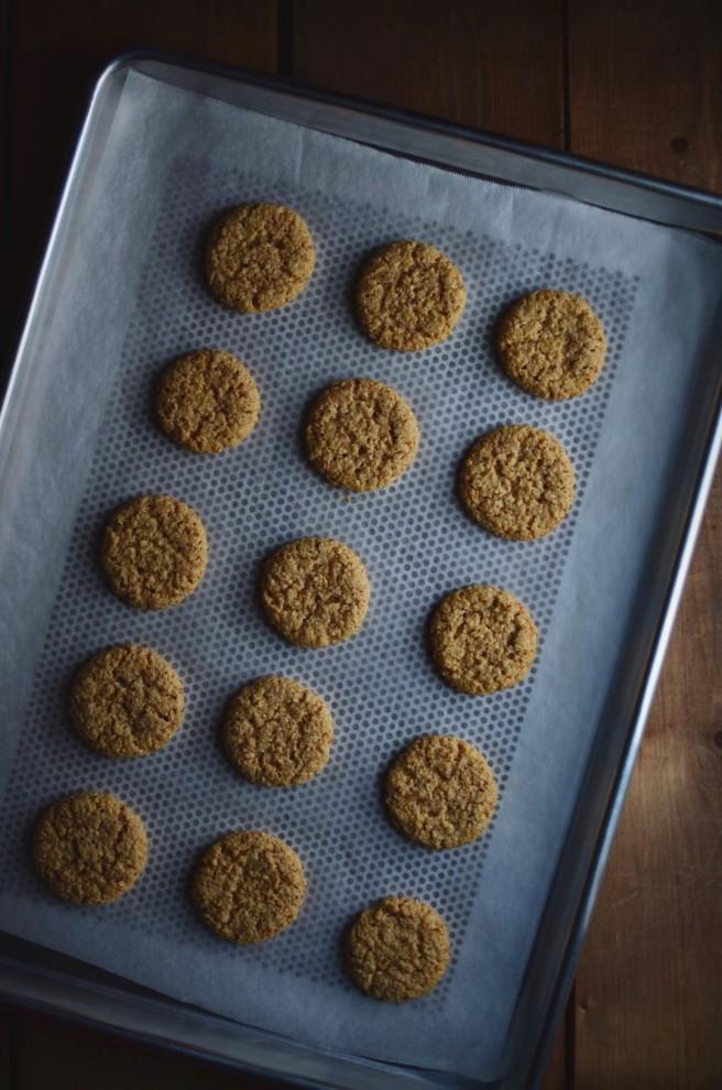 vegan hazelnut cookies | conifères & feuillus
